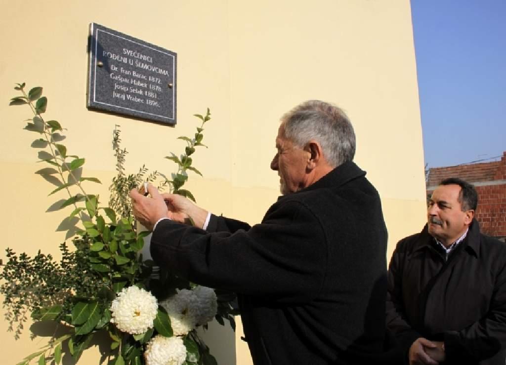 Crkva sv. Križa Šemovci-posveta spomen ploće.