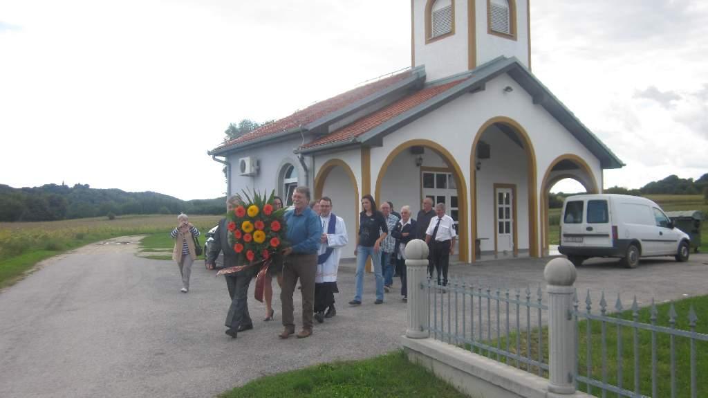Dani mjesta- Polaganje vjenca za sve pokojne mještane.